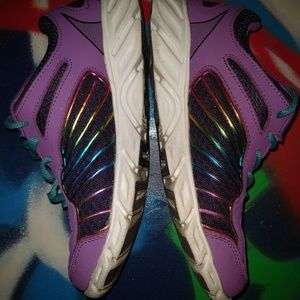 Fila Shoes - Fila Girls Sneakers size 4